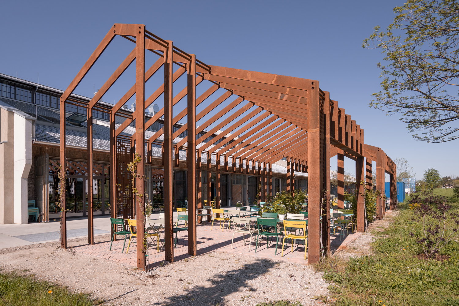 Market hall Restaurant Pergola by smartvoll architects